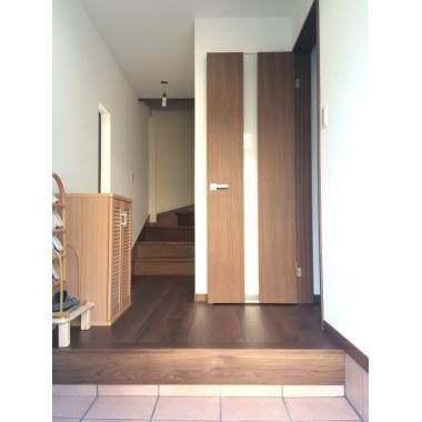 明るく使いやすい玄関。