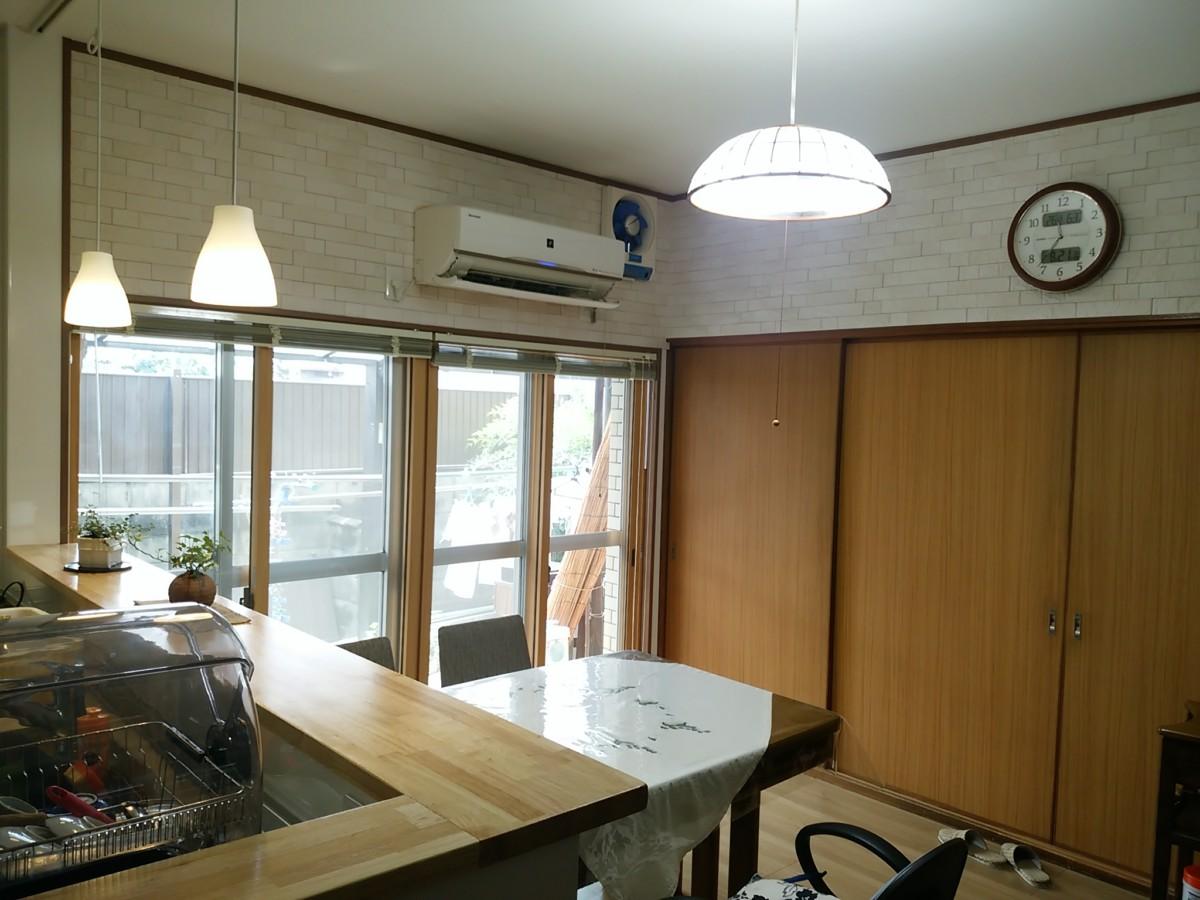 インプラスを使用し、断熱性能を高めた窓。湿気対策でエコカラットを使用。