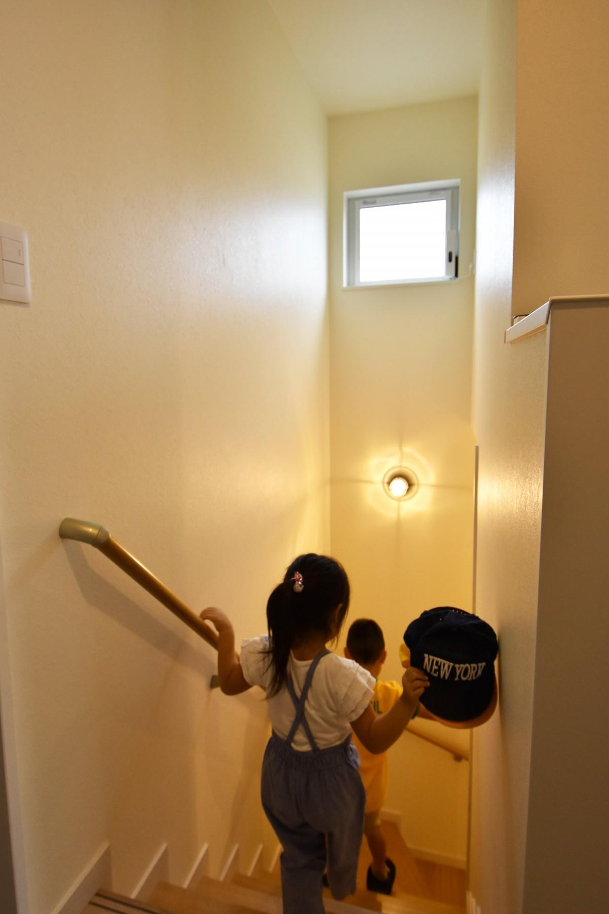 子どもが自分の部屋にとどまることなく、家全体が楽しめるように設計。