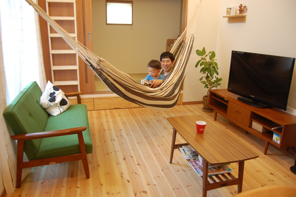 """ママさん設計士が考えた""""遊び""""を楽しむお家"""