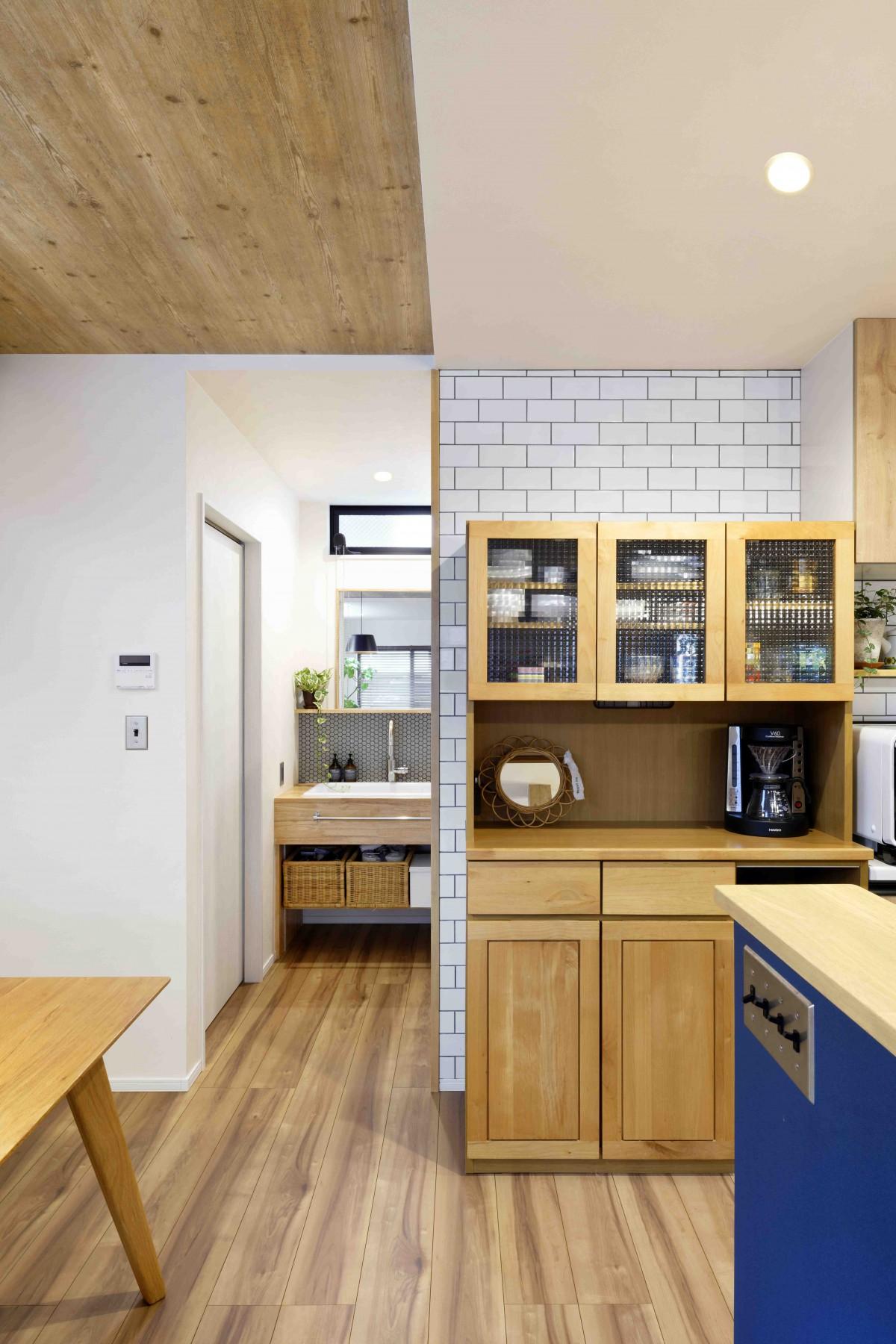 家事動線を考え、LDKから洗面室にダイレクトに繋がるように設計
