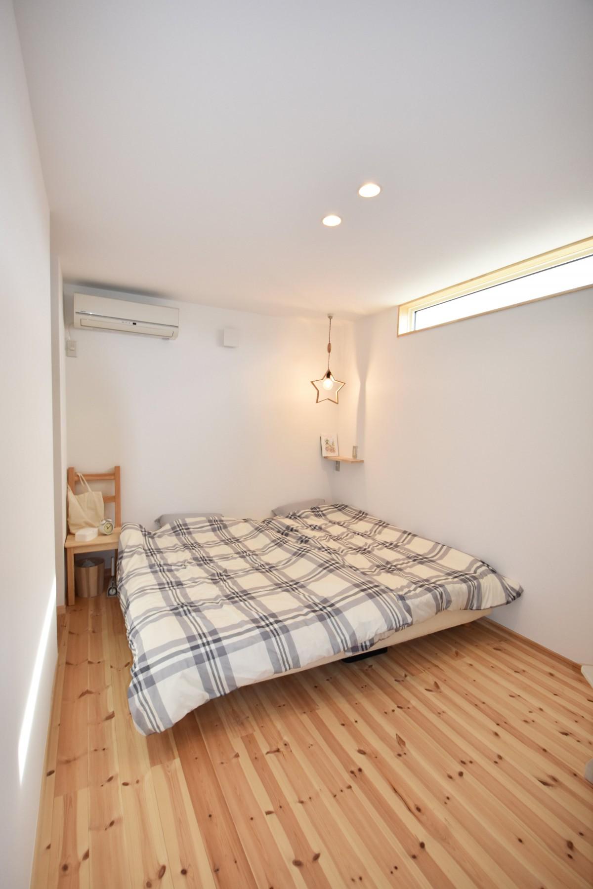 寝室もナチュラルな雰囲気になるように、シンプルにデザイン。